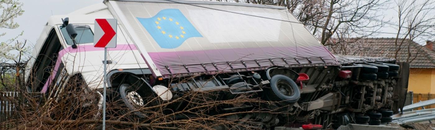 Wie ist bei einem Lkw-Unfall vorzugehen?