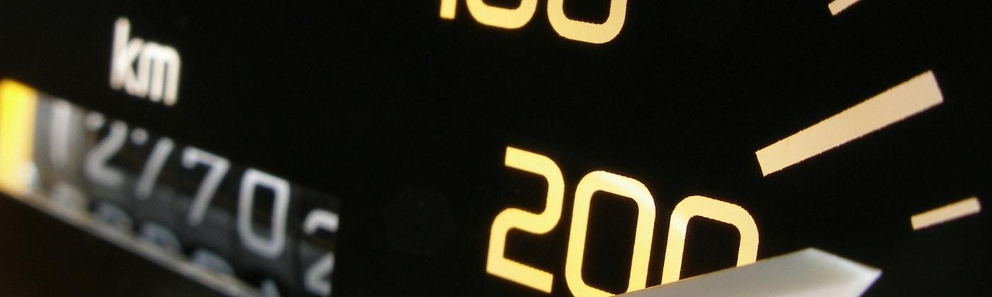 Mobile Blitzgeräte sollen Temposünder überführen.