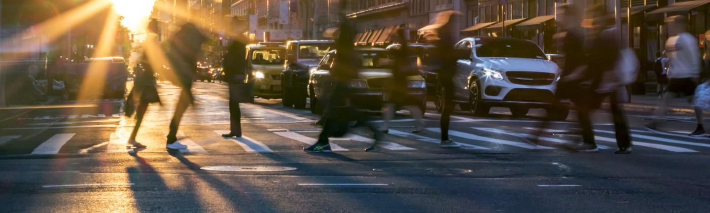 Paragraph 25 StVO listet die Tatbestände für Fußgänger auf