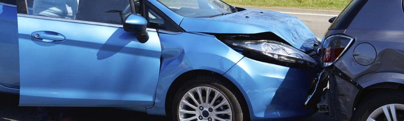 Was ist bei einem Unfall mit dem Mietwagen zu tun?