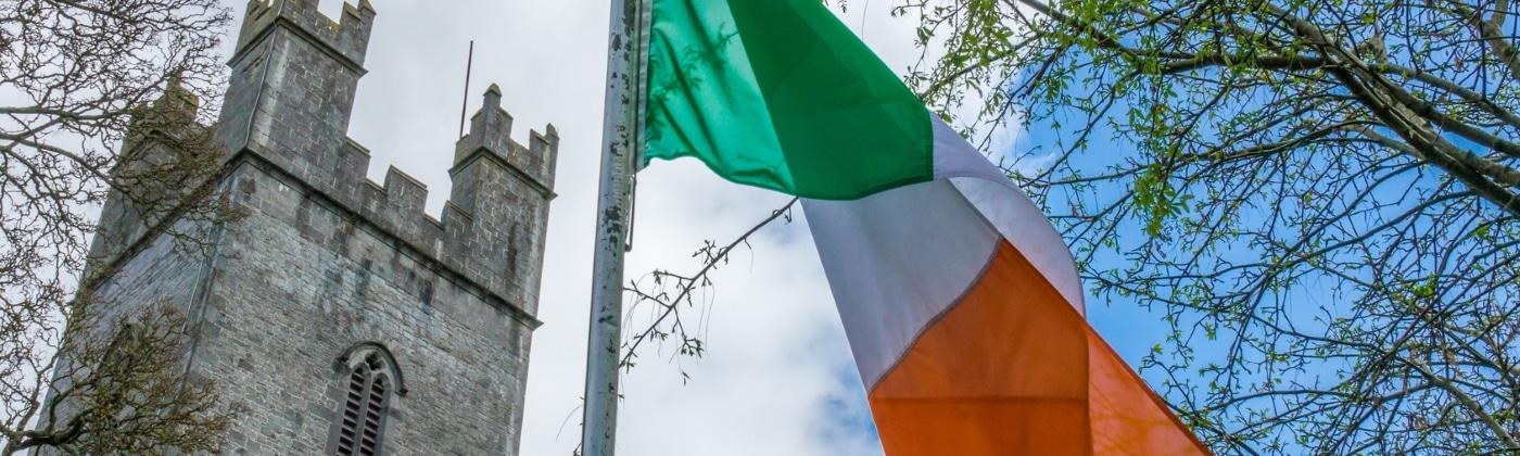Welche Besonderheiten gibt es bei den Verkehrsregeln in Irland?