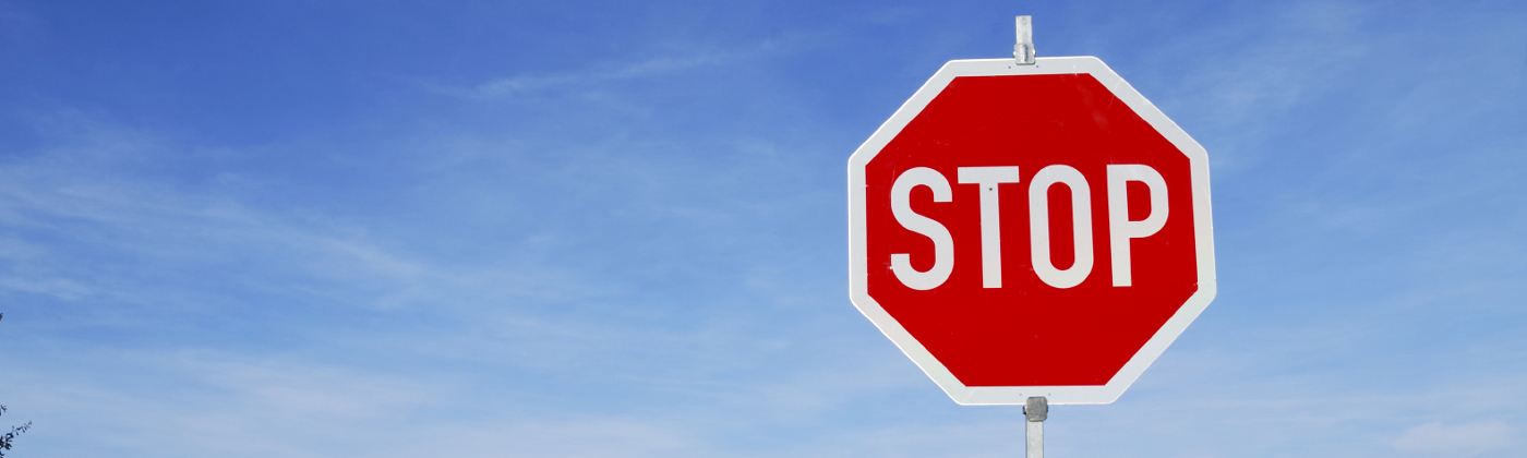 Am Stoppschild müssen Autofahrer die Vorfahrt gewähren