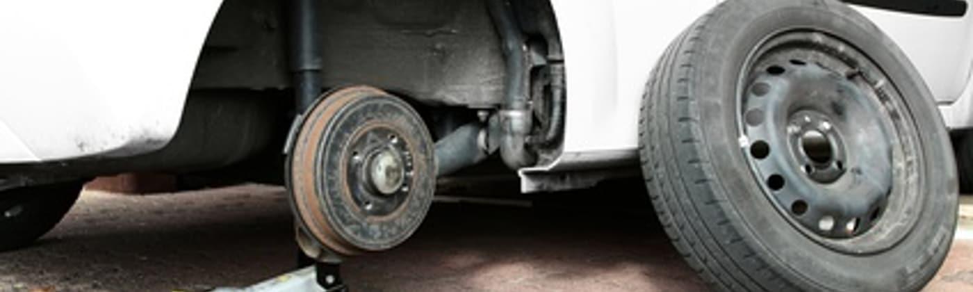 Reifen: Nur in gutem Zustand gewährleisten sie sichere Fahrstabilität.