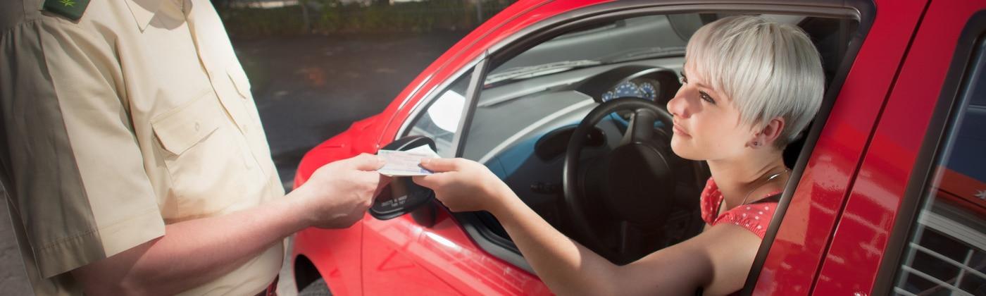 Tatbestände, die zum Führerscheinentzug führen können, stehen in § 46 und § 47 FeV