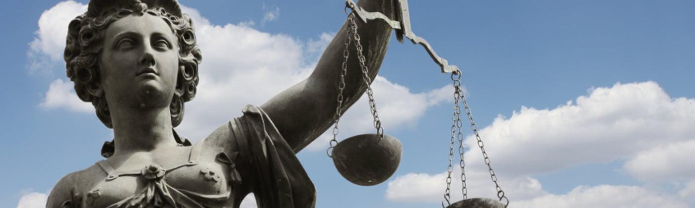 Welche Strafe droht bei Unfallflucht?