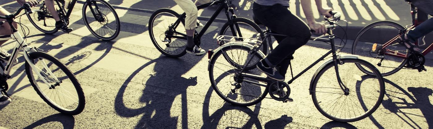 Wenn Sie für einen Fahrradunfall einen Bericht schreiben, sollten Sie die Unterschriften nicht vergessen.