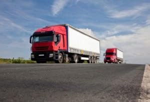 Auch die Hubladebühnen an Lkw und Satteschlepper müssen durch zusätzliche Markierungen kenntlich gemacht sein.