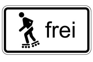 Nur wenn dieses Zusatzzeichen vorhanden ist, dürfen Sie mit Inline-Skates auf dem Radweg fahren.