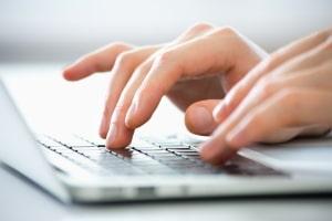 Ihr gewünschtes Kennzeichen ist bereits vergeben? Prüfen Sie online einfach verschiedene Kombinationen.