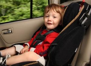 Wer den Kindertransport mit dem Fahrrad bewältigen möchte, muss genauso auf die Sicherheit achten, wie es beim Auto der Fall ist.