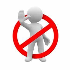 Ein kleiner Waffenschein wird abgelehnt, wenn Antragsteller die Voraussetzungen nicht erfüllen.