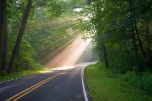 Welche Vorgaben gelten auf der Landstraße zur Geschwindigkeit?