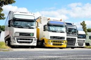 Lenkzeitüberschreitung: Halten sich Bus- & Lkw-Fahrer an die Lenk- und Ruhezeiten, erhöht dies die Sicherheit.