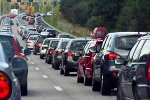 Das Lkw-Fahrverbot am Samstag soll Staus verhindern.