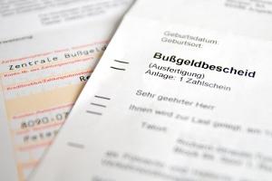 Mecklenburg-Vorpommern: Die zentrale Bußgeldstelle in Rostock verschickt Bußgeldbescheide.