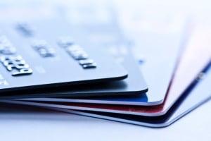 Bei einer Polizeikontrolle können Sie ein Verwarngeld in der Regel mit Karte zahlen.