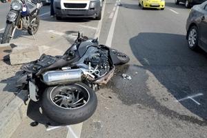 Nach einem Motorradunfall kann das Schmerzensgeld von zahlreichen Faktoren beeinflusst werden.