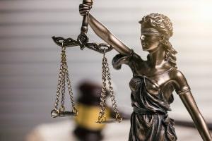 MPU-Gutachten kaufen: Legal ist das nicht. Sie machen sich damit strafbar.