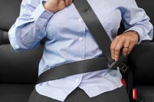 Sind Insassen nicht angeschnallt, kann ein Unfall schwerwiegende Folgen haben.