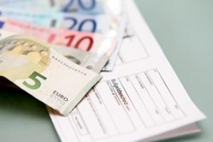 Wer in Österreich nach dem Bußgeldkatalog belangt wird, bekommt den Bescheid auch nach Deutschland geschickt