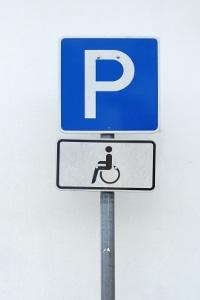 Parkausweis für Behinderte: Welche Voraussetzungen müssen erfüllt werden?