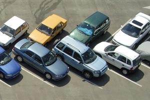 Ist beim Parken ein Mindestabstand vorgeschrieben?