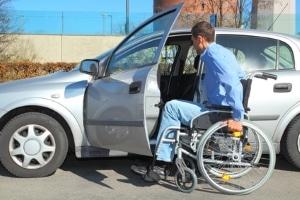 Das Parken mit Behinderung stellt eine Herausforderung dar.