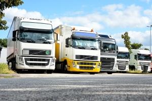 Die vorgeschriebenen Pausenzeiten der Lkw-Fahrer sollen auf der Straße für mehr Sicherheit sorgen.