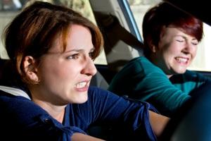 Bei einer posttraumatischen Belastungsstörung nach dem Unfall kann ein Anspruch auf Schmerzensgeld bestehen.
