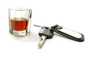 Die Promillegrenze in Ungarn liegt bei 0,0. Auf Alkoholkonsum vor dem Fahren sollte also in jedem Fall verzichtet werden.