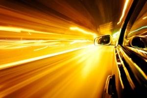 Beim System des ProViDa wird ein Video vom Fahrzeug aufgezeichnet, das zu schnell ist.