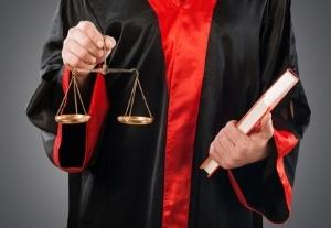 Ein Rechtsanwalt für Verkehrsrecht in Nürnberg vertritt Sie auf Wunsch vor Gericht.