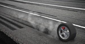 Abgefahrene Reifen: Das Profil muss mindesten 1,6 mm tief sein.