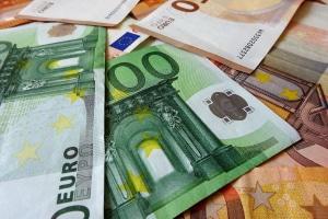 Für den Rollerführerschein sollten Kosten in Höhe von etwa 500 bis 800 Euro eingeplant werden.
