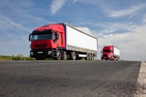 Ein Sattelzug ist ein schwerer LKW bis zu 40 Tonnen Gesamtgewicht.