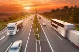 Nicht alle Lkw sind betroffen - das Sonntagsfahrverbot nennt auch Ausnahmen