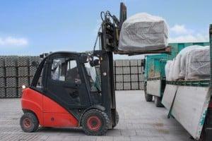 Für Arbeitsmaschinen wie Stapler gilt die Sicherungspflicht nicht.