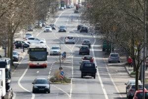 StVO: Auch Inline-Skater müssen sich im Straßenverkehr angemessen verhalten - wie alle Verkehrsteilnehmer.