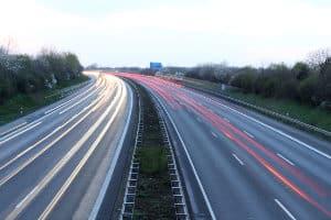 Ein Tempolimit auf der Autobahn gibt es nicht.