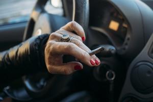 Werden Sie mit THC-Konzentration beim Autofahren erwischt, können unterschiedliche Sanktionen verhängt werden