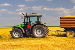 Wer benötigt einen Traktorführerschein?
