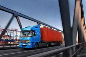 Was schreibt das Transportrecht für die Beförderung von Waren vor?