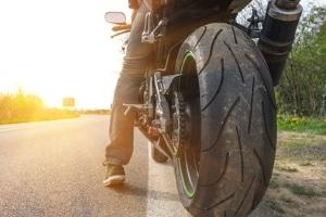 Schreibt der Gesetzgeber bei Motorrad und Trike eine Helmpflicht vor?