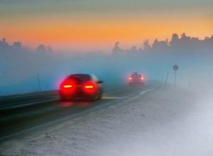 Erhöhtes Risiko für einen Unfall: Im Sommer mit Winterreifen unterwegs zu sein, erhöht die Gefahr.