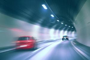 Ein Unfall im Tunnel kann schnell zur Katastrophe heranwachsen - wie verhalten Sie sich richtig?