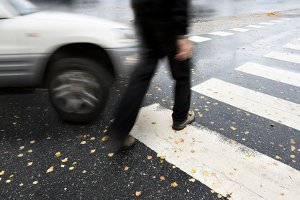 Nach einem Unfall wird Mitschuld oft auf Kfz-Fahrer projiziert, wenn Fußgänger oder Fahrradfahrer involviert waren.