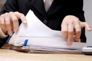 Unverschuldeter Unfall: Aber die Versicherung zahlt nicht? Ein Rechtsanwalt kann weiterhelfen.