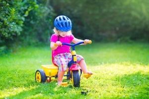 Verkehrserziehung im Kindergarten erfolgt meist spielerisch.