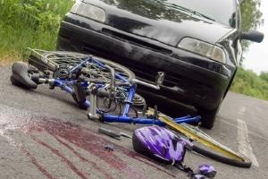 Die Verkehrserziehung in der Schule thematisiert auch die Gefahren im Verkehr.