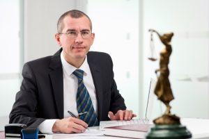 Kein Durchblick beim Verkehrshaftungsrecht? Ein Anwalt kann Sie unterstützen.